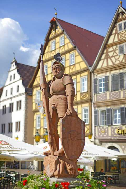 Bad_Mergentheim_Milchlingsbrunnen_am_Marktplatz