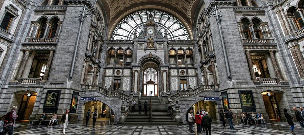 Nur 400 Meter vom Hauptbahnhof Antwerpen entfernt