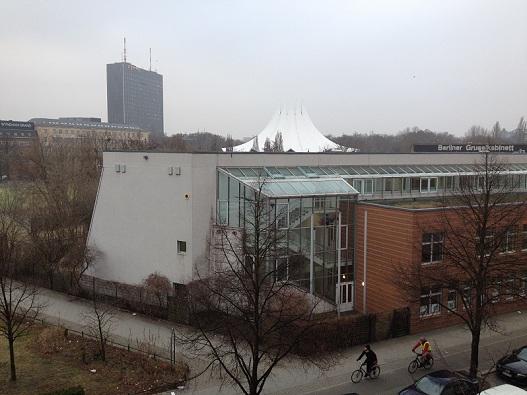 Berlin Mitte Tippi beim Kanzleramt