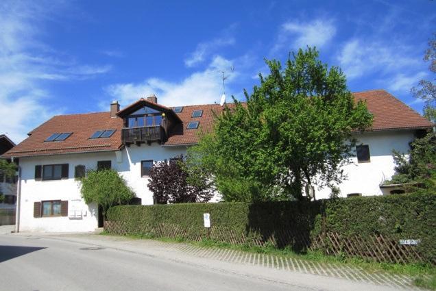 Monteurzimmer Bedburg Kirchtroisdorf