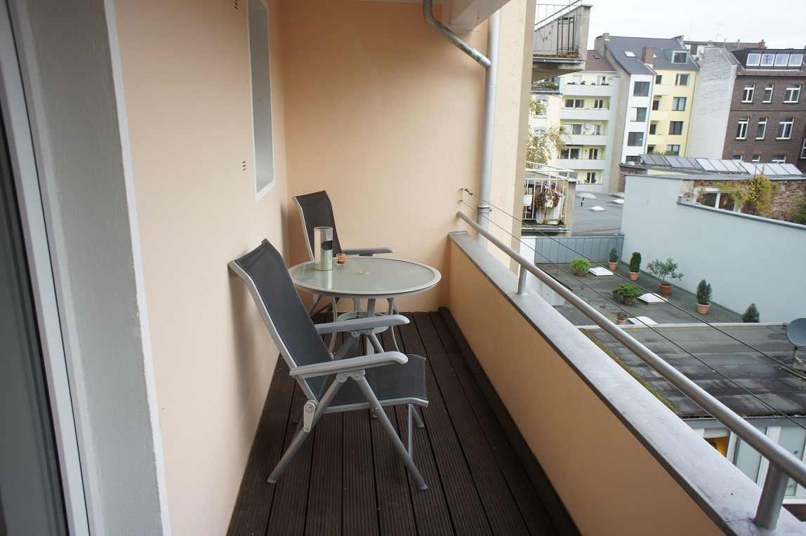 g nstige monteurwohnung d sseldorf city innenstadt zimmervermietung. Black Bedroom Furniture Sets. Home Design Ideas