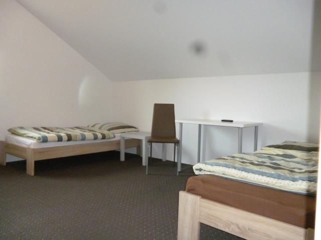 g nstige monteurzimmer feucht mit internet wifi monteurwohnung wohnheim feucht. Black Bedroom Furniture Sets. Home Design Ideas