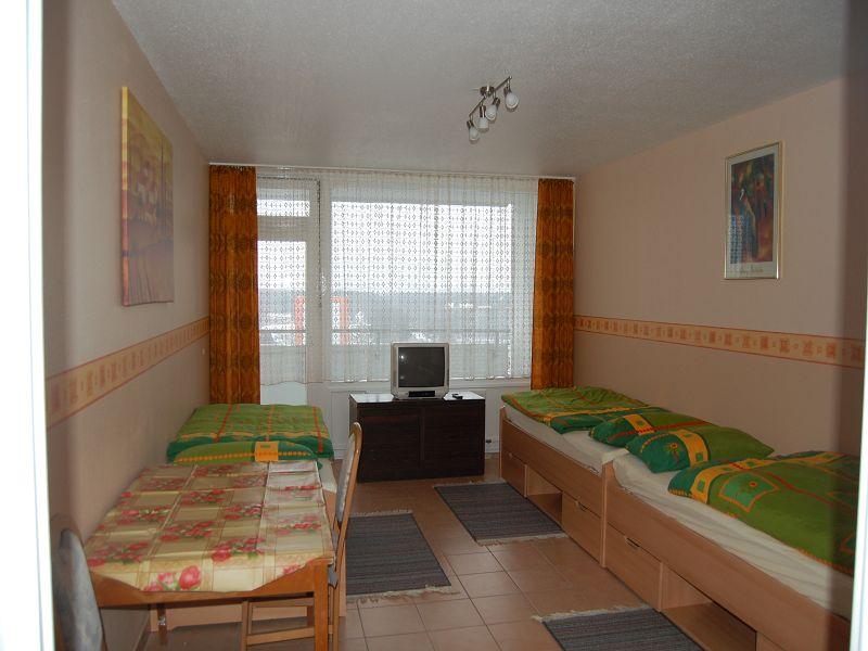 g nstige monteurzimmer l nen mit internet wifi monteurwohnung wohnen auf zeit. Black Bedroom Furniture Sets. Home Design Ideas