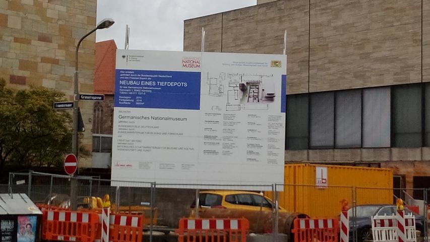 Mieter von uns bauen am Archiv vom neuen Germanischen Nationlamusue Nähe Frauentorgraben